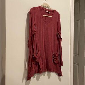 LOGO  long red shirt with pockets vneck